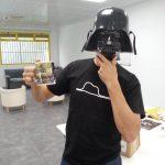 En Tecnilogica Mauricio Gelves con máscara de Darth Vader