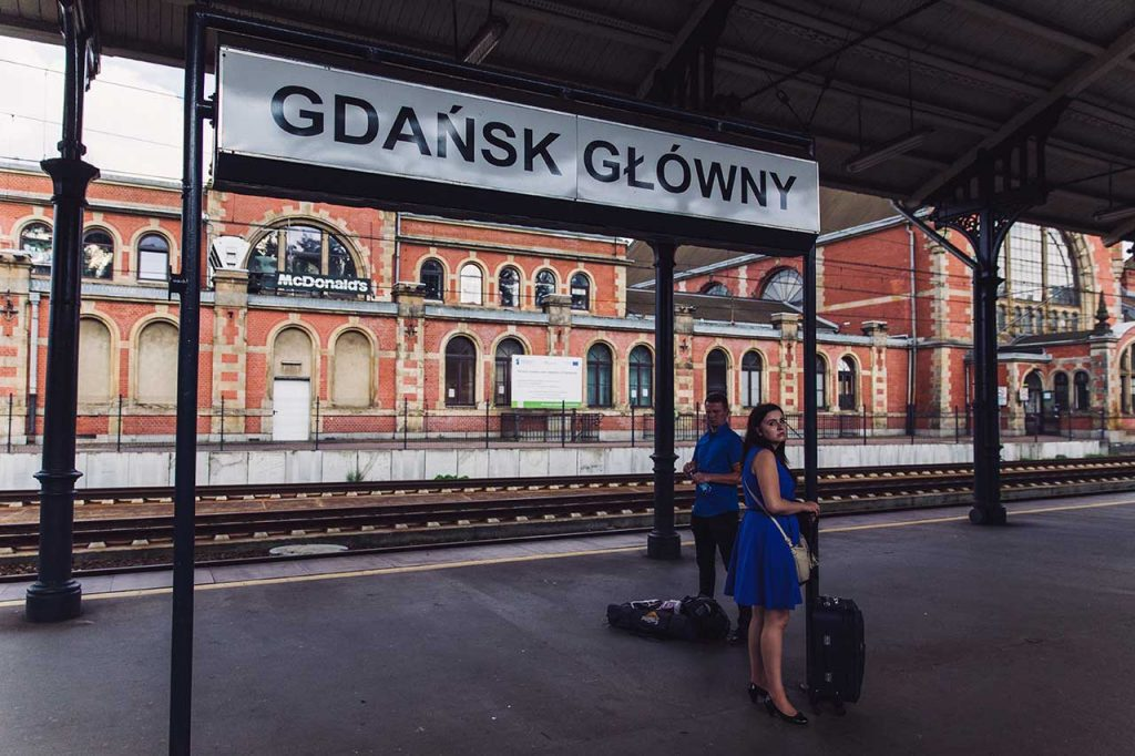 estacion tren gdansk polonia